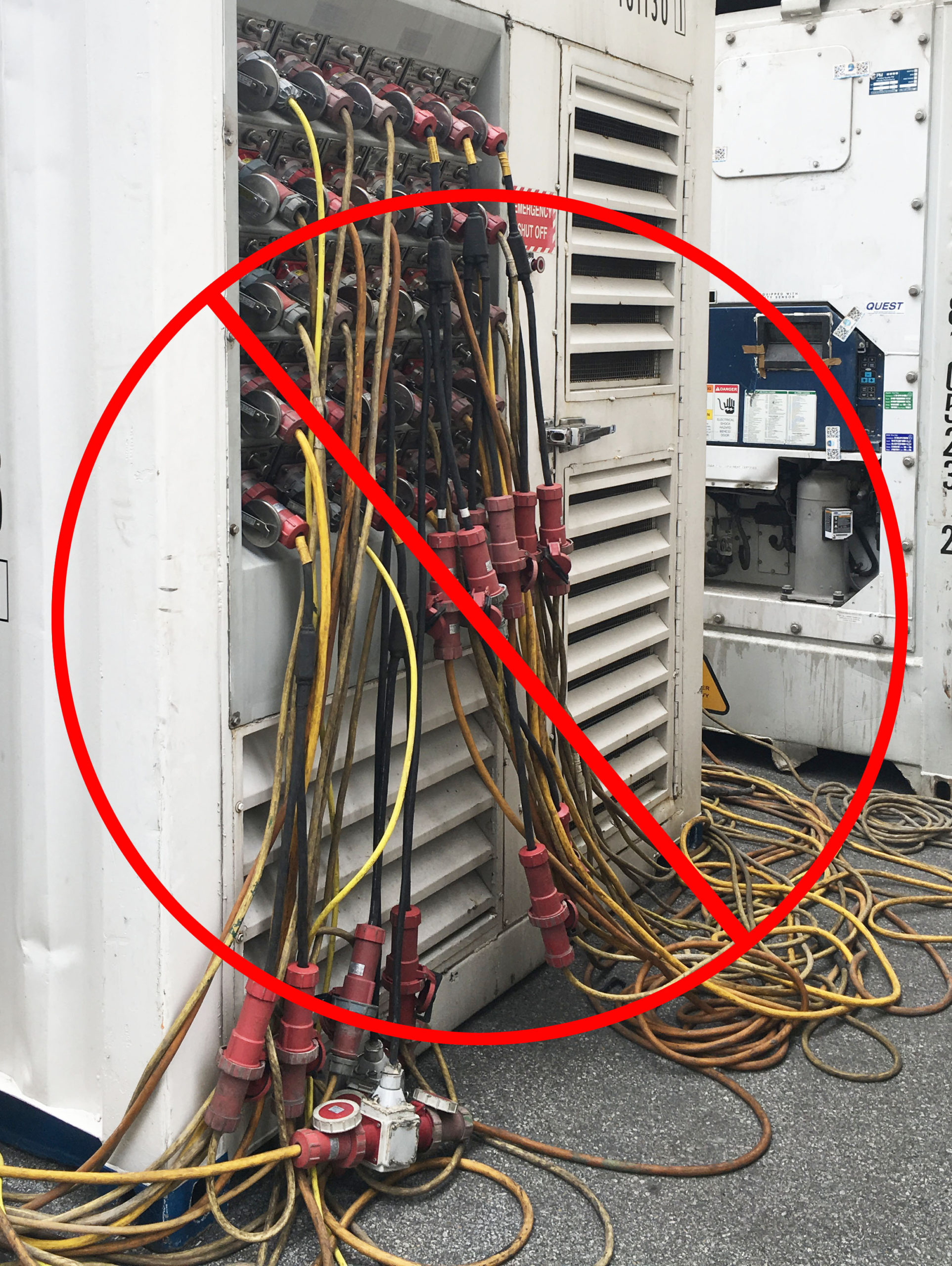 Overloading a power pack with splitters